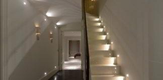 Oświetlenie korytarza – wybieramy najlepsze lampy do przedpokoju